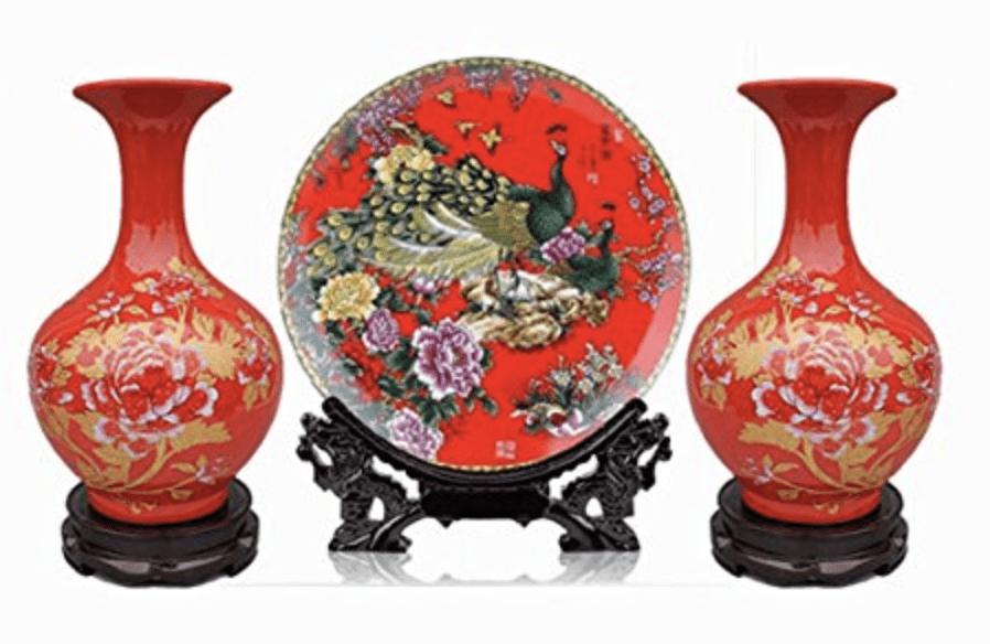 Jarrones y vajilla china roja de porcelana