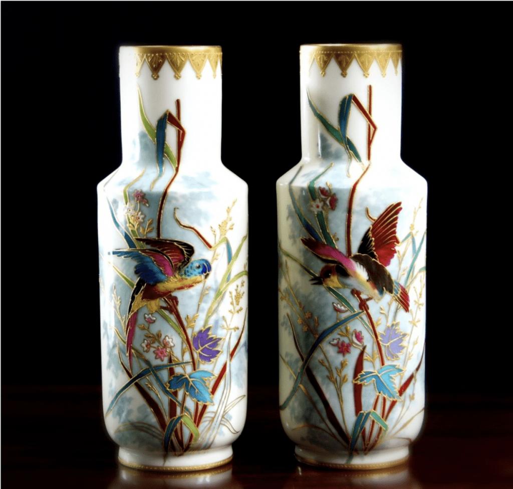 Jarrones chinos pequeños blancos y con pelicanos